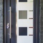 DRIA FENÊTRES_porte d'entrée en PVC gris anthracite Vaud-Genève-Neuchâtel-Fribourg