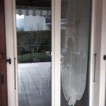 DRIA FENÊTRES_porte-fenêtre en PVC blanc Vaud-Genève-Neuchâtel-Fribourg